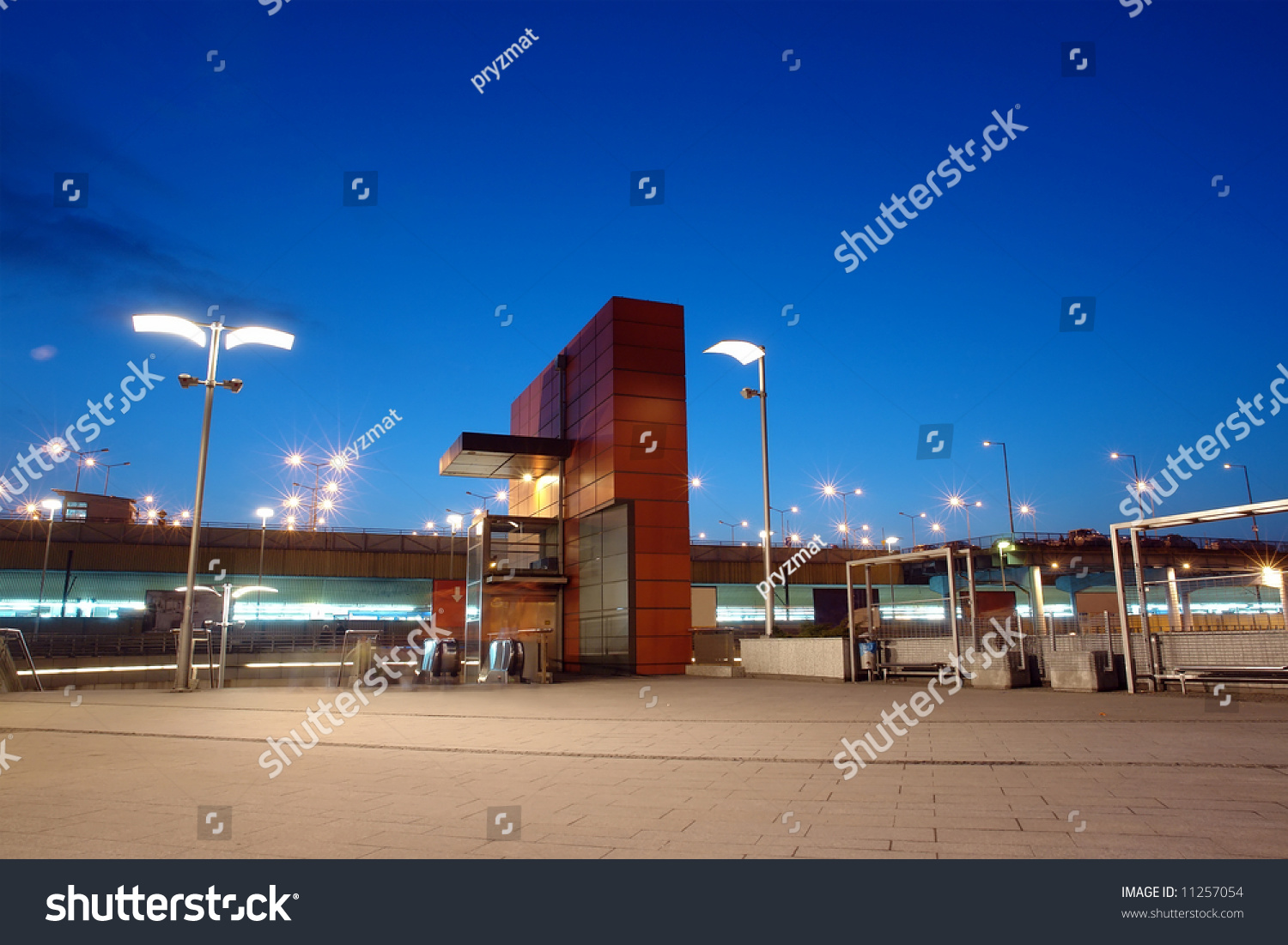 stock_photo_entrance_to_the_main_railway_station_in_krakow_poland_night_time_11257054.jpg